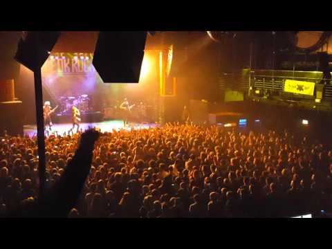 One Ok Rock - Cry Out - XTRA LIVE 20.12.2015
