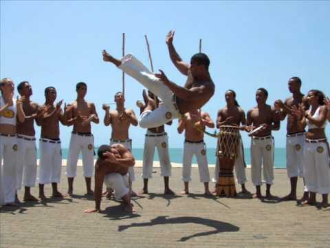 Trailer do filme Mundo Camará: A Capoeira Angola e a Volta Que o ...