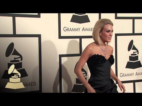 Carrie Underwood | Fashion Cam | 58th GRAMMYs