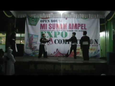 video silat di MI Sunan Ampel
