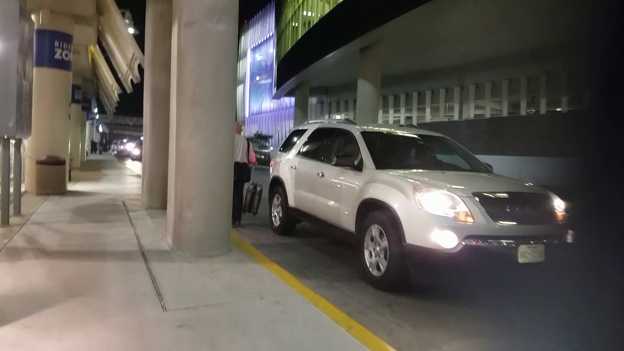 Taxi San Antonio >> San Antonio Airport Small Taxi Line And Other Problems