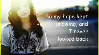 Demi Lovato - Trainwreck (lyrics)