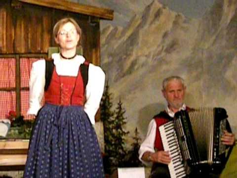tyrolean music show, innsbruck. teachings of yodling. the gundolf family