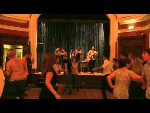 """Auld Alliance Band: Strip the Willow (Part III: """"Reel never stop"""")"""
