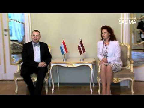 Solvita Āboltiņa tiekas ar Luksemburgas Lielhercogistes vēstnieku