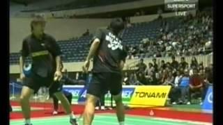 Video 2006 Japan Open Badminton - Chandra W and T Gunawan vs Koo Kien Keat and Tan Boon Heong pt1 of 2 download MP3, 3GP, MP4, WEBM, AVI, FLV September 2018