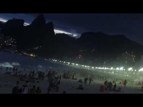 A praia mais legal do Rio de janeiro Ipanema de noite