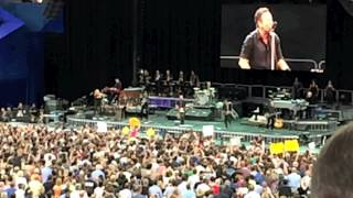 Bruce Springsteen-Dancing in the Dark (Perth Arena 8 Feb 14)