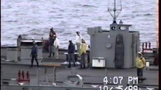 USS Missouri (BB-63) USS Mount Hood (AE-29) UnRep 1989
