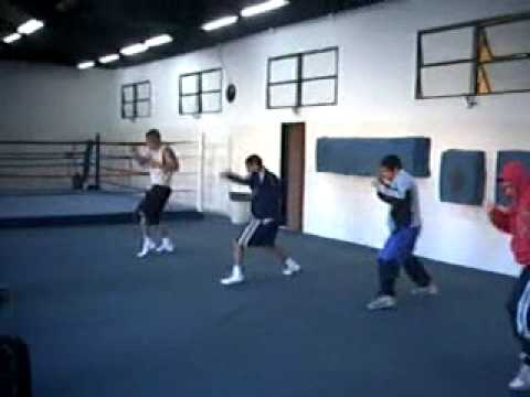 Box entrenamiento en el cenard 12 6 09 parte 1 youtube for Entrenamiento gimnasio
