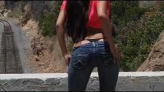 Pretty Cute Sharon lee in tight jeans