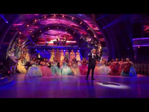 Hallelujah, Leonard Cohen - An amazing performance by Andre Rieu in London