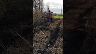 Broyage forestier sous ligne électrique.