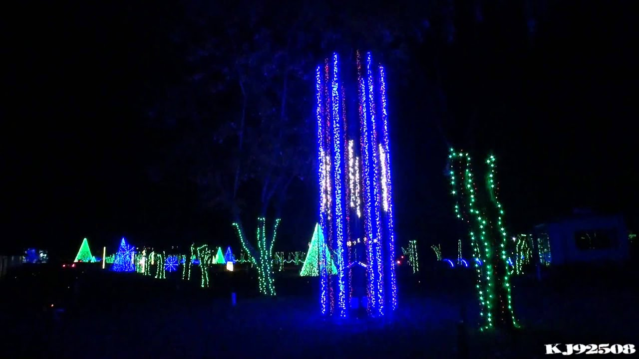 Christmas Light Show 2013 (Montage) - Dancing Lights at Jellystone ...