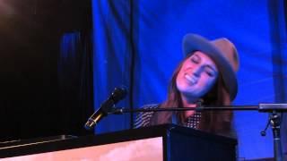 Sara Bareilles - (Sittin