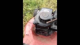 demarage de la tondeuse avec un moteur que j ai trouver a la feraille.