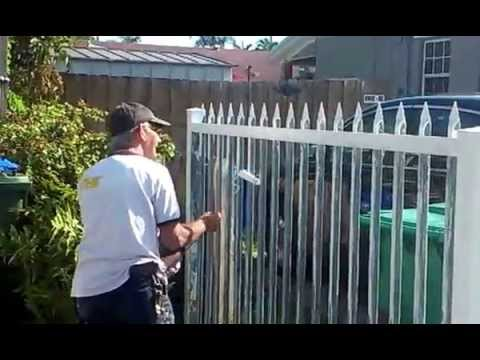 how to painting metal gate using white paint youtube. Black Bedroom Furniture Sets. Home Design Ideas