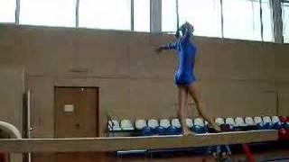 Упражнение на бревне - девушки