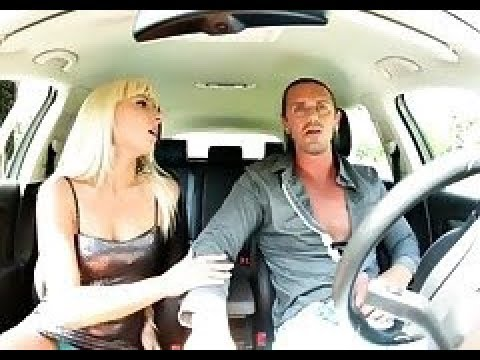 Секс семейный в машине