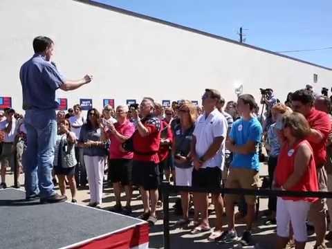 Scott Walker campaigns in Sioux City
