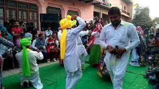 Holi dance