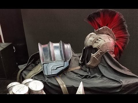 Thor Ragnarok Weapons And Armor For The Hulk Sdcc 2016 Marvel Youtube