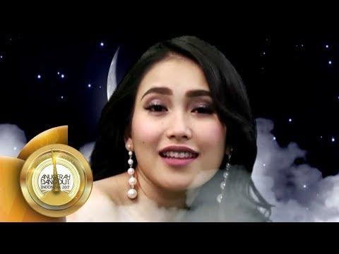 Anggun Dan Cantiknya Ayu Ting Ting Saat Nyanyi Di Atas Bulan Sabit  - Anugerah Dangdut INA 2017