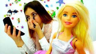 Игры #БАРБИ макияж с лучшей подружкой Викой. Видео с куклой #БАРБИ для девочек.