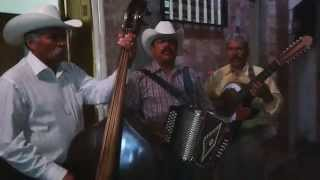 Los cinco de Zacatecas El asalto ala tienda (corrido)