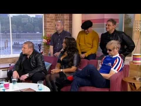 Happy Mondays Step On This Morning 2012