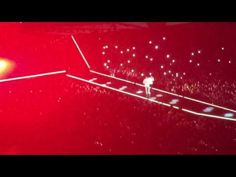 The Weeknd and Drake Intro! London tour 2017