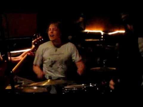 Todd performs MASTER OF PUPPETS @ Punk/Rock Karaoke