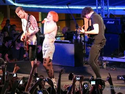 6/13 Paramore - Interludes: I'm Not Angry Anymore + Moving On + Holiday @ Parahoy #2, 3/09/14
