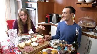 Правда ли, что итальянцы на Новый год выбрасывают мебель из окон? Что едят вместо оливье?