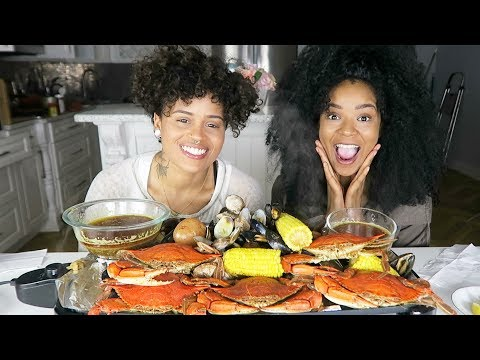 FUNNIEST SEAFOOD BOIL MUKBANG (CRAB, SHRIMP, CLAMS AND MUSSELS)