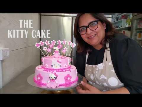 The Hello Kitty Cake: Cake Decorating Free Tutorial