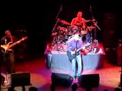 Junoon-Neend Aati Nahi Live @ Kalamazoo 2004 [HQ]