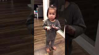 Con gái Lam Trường đáng yêu nhảy múa theo nhạc