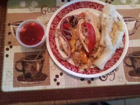 RECIPE OF YUCCA WITH GARLIC SAUCE AND ROASTED CHICKEN ( SHREDDED) OF STYLE BORICUA