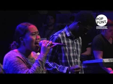 E-Royal and the Kingsz, live op showcasefestival  'De IJssel Stroomt Over'.