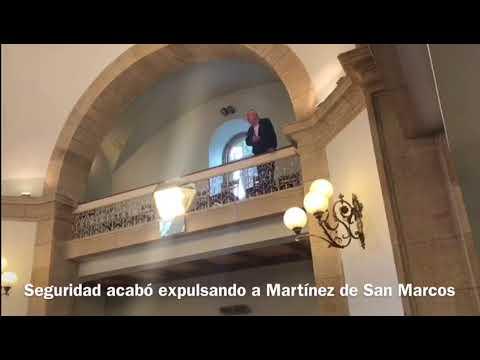 Martínez, a gritos desde la tribuna, acaba expulsado