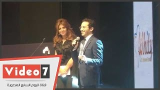 أحمد حلمى : منى زكى على وشك الانفجار.. ولو جت الحفل كانت ولدت على المسرح