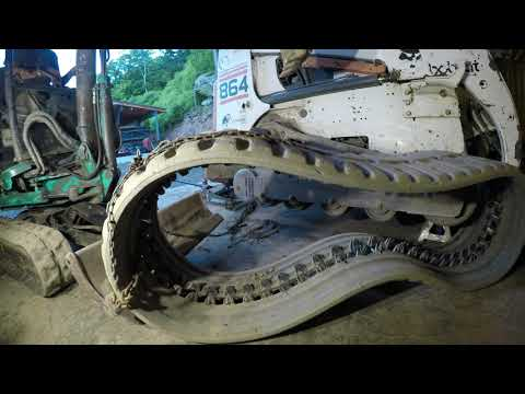 Installing A Drive Motor In A Tracked Skid Steer