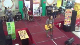 Lookman and Jawaica ( tribute to Tony Q Rastafara ) - Cahayamu Mp3