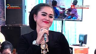 Ngelabur Langit  Cover  Candra Kirana - New Larasati Musik Trendy - Live Perform