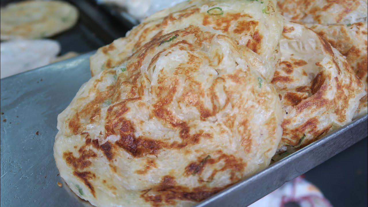 Super Flaky Scallion Pancake - Taipei Taiwan 天津葱抓餅