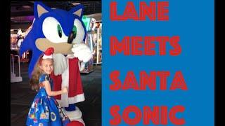 Lane Meets Santa Sonic | Sonic the Hedgehog | Gamer Girl | Video Games | Arcade | Video for Kids