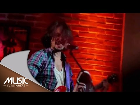 Ello - Don't Let Me Down (The Beatles cover) (Live at Music Everywhere) *