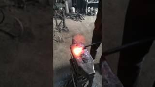 Видео урок по ковке 2 завиток в форме свитка часть 2