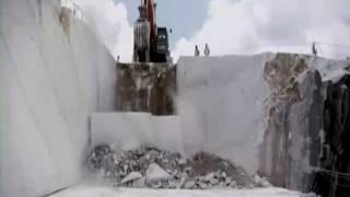 Так добывают мрамор на открытом карьере(, 2011-11-11T10:30:47.000Z)